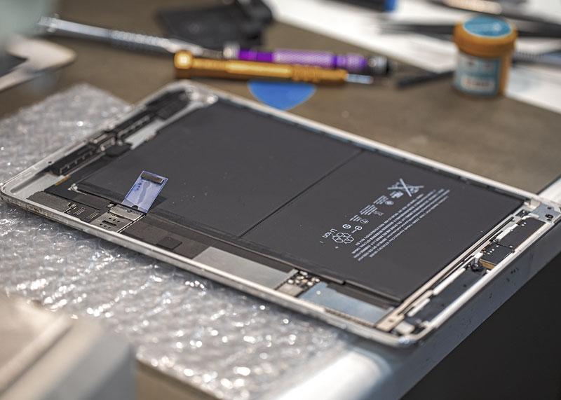 iPad szerviz - eXpertmobil Budapest könnyen megközelíthető részén. Tapasztalt csapatunk a legtöbb problémát azonnal megoldja ✔