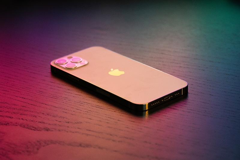 Az Apple szervizprogramot hirdetett iPhone 12 és iPhone 12 Pro telefonokra